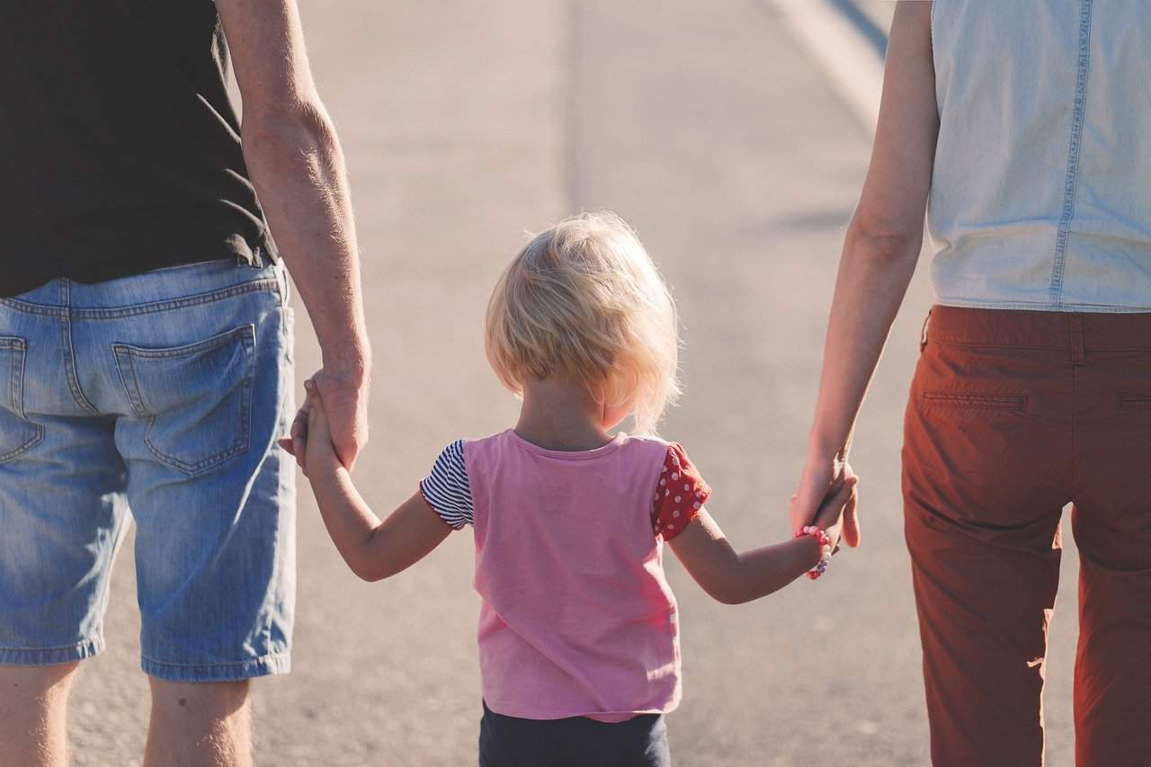 a honvédség béren kívüli juttatásai segítenek akkor is amikor új taggal bővül a család